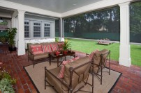 Mixing indoor and outdoor spaces with motorized screens