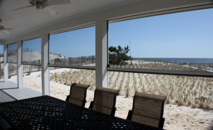A perfect view of the beach with disappearing automated screens