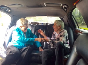 The happy reunion of best friends for 92 years
